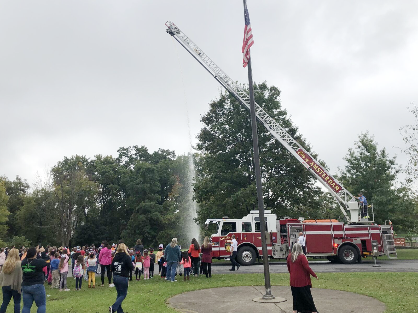 fire truck demonstration for students shooting water